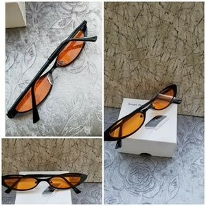 Accessories - Cat in the  Cat-Eye Sunglasses! Throw some shade i